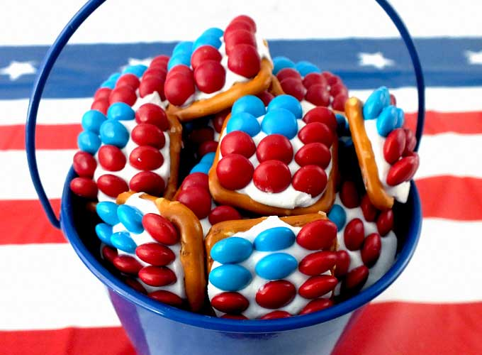 Patriotic Pretzel Bites From Two sisters crafting