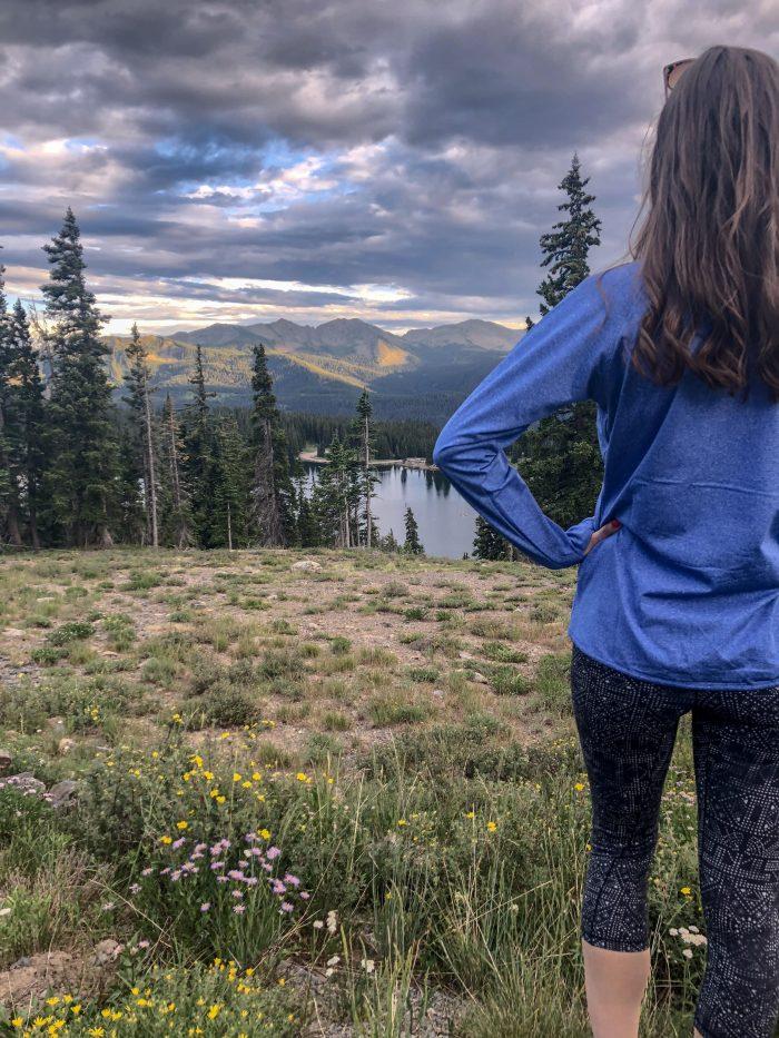 Amazon Joe's USA Pullover with prAna leggings | Blue Mountain Belle
