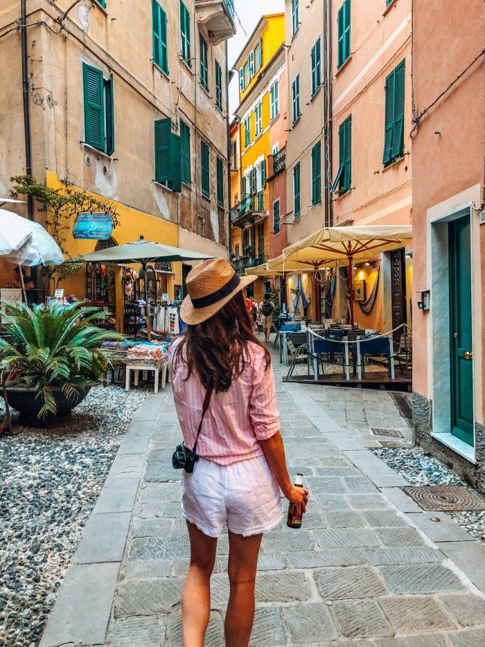 Pink Stripe Button Down and white Lenin shorts in Monterosso Al Mare - Blue Mountain Belle