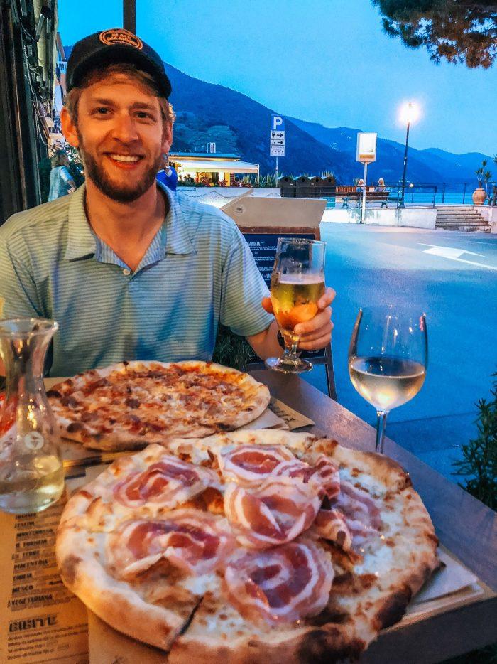 CCinque Terra monterosso Del mare Fornaio di Monterosso pizza